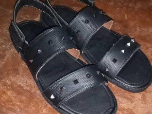 Monigel footwears